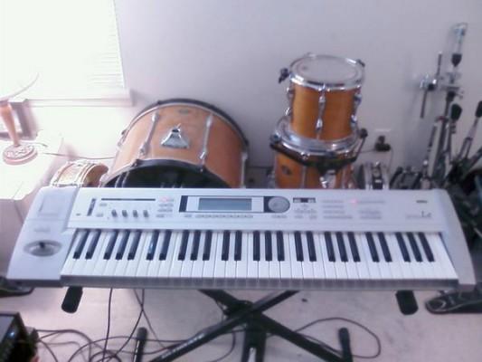 Korg sintetizador Triton Le 61