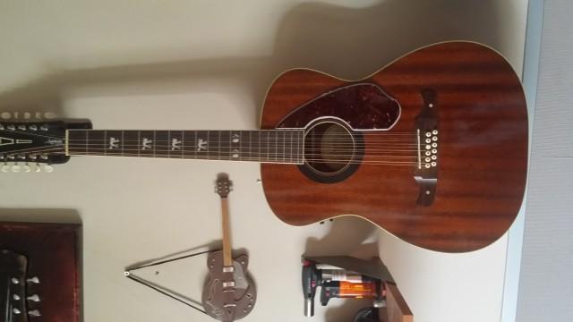 Fender 12 cuerdas