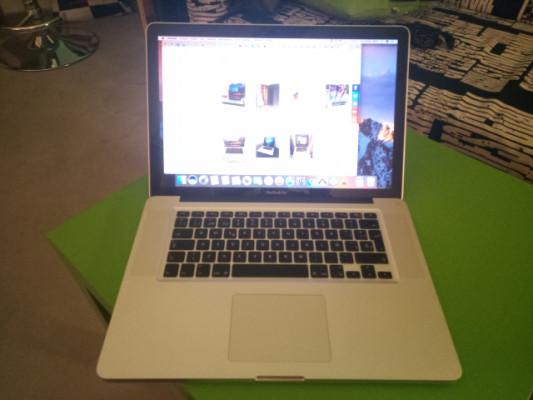 """Macbook pro unibody quad i7 15"""" 16gb"""