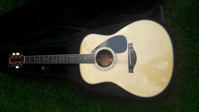 Guitarra Acústica Yamaha LL16