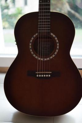 Guitarra electroacústica Art&Lutherie (Godin)