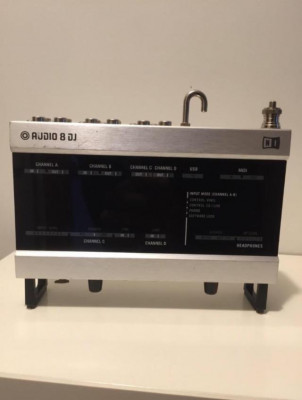 Traktor Audio 8 DJ