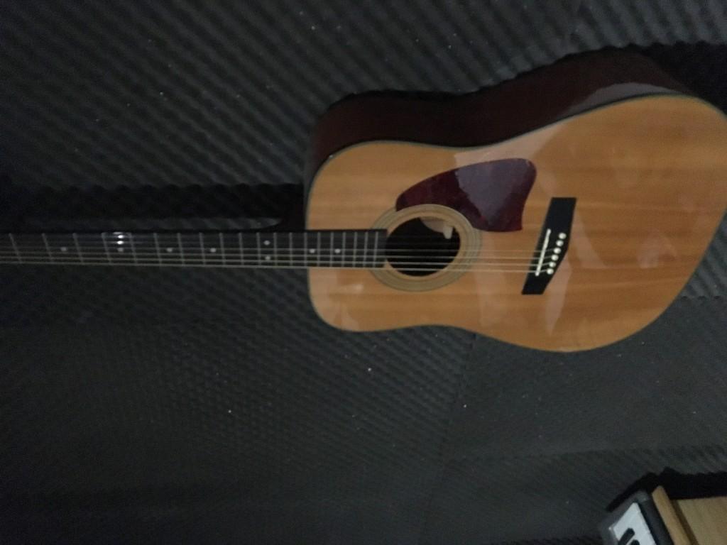Vendo vendo guitarra ac stica ibanez en barcelona for Guitarras barcelona