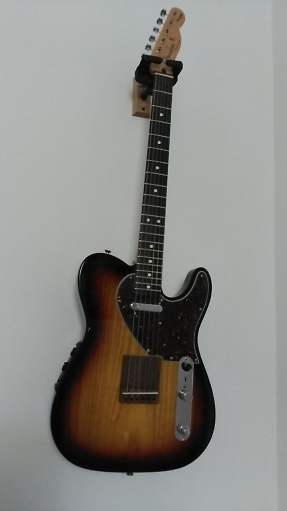 Guitarra fender tele acoustasonic sb en barcelona for Guitarras barcelona